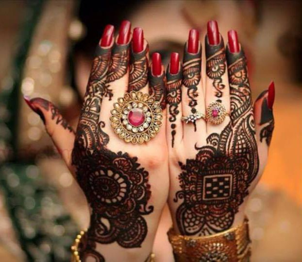 Role Of A Bridal Mehandi Artist In