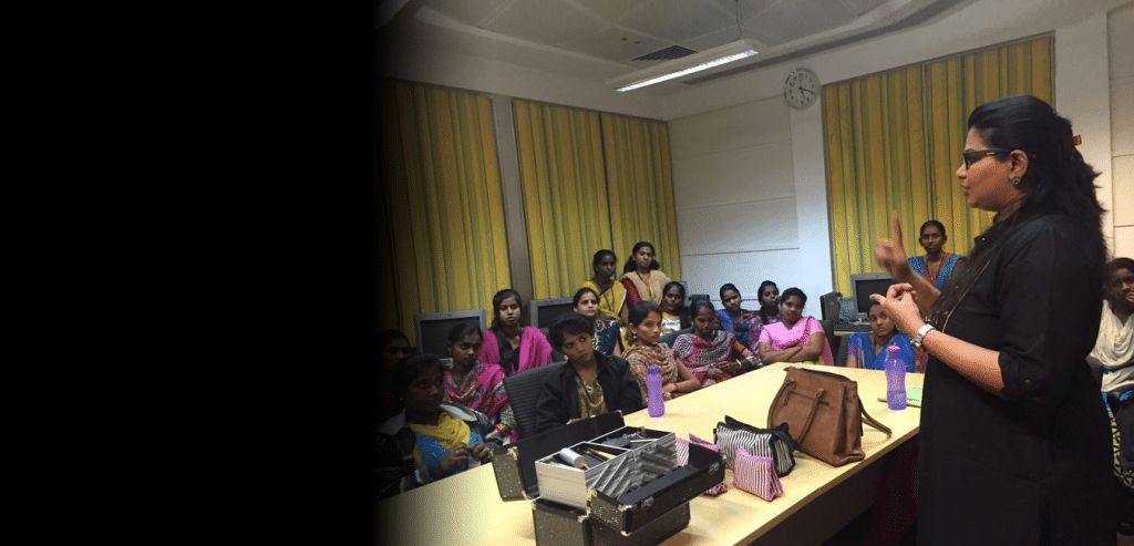 Students listening to the makeup training class conducted by Makeup Artist of Skulpt Academy